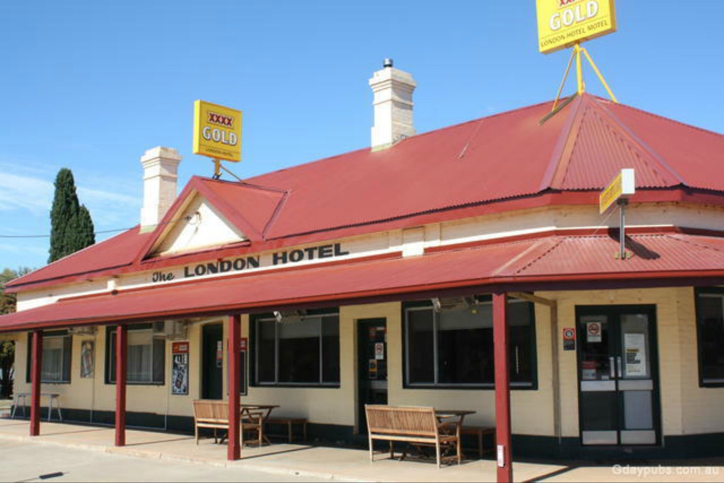 The London Hotel Motel - Tourism Cairns