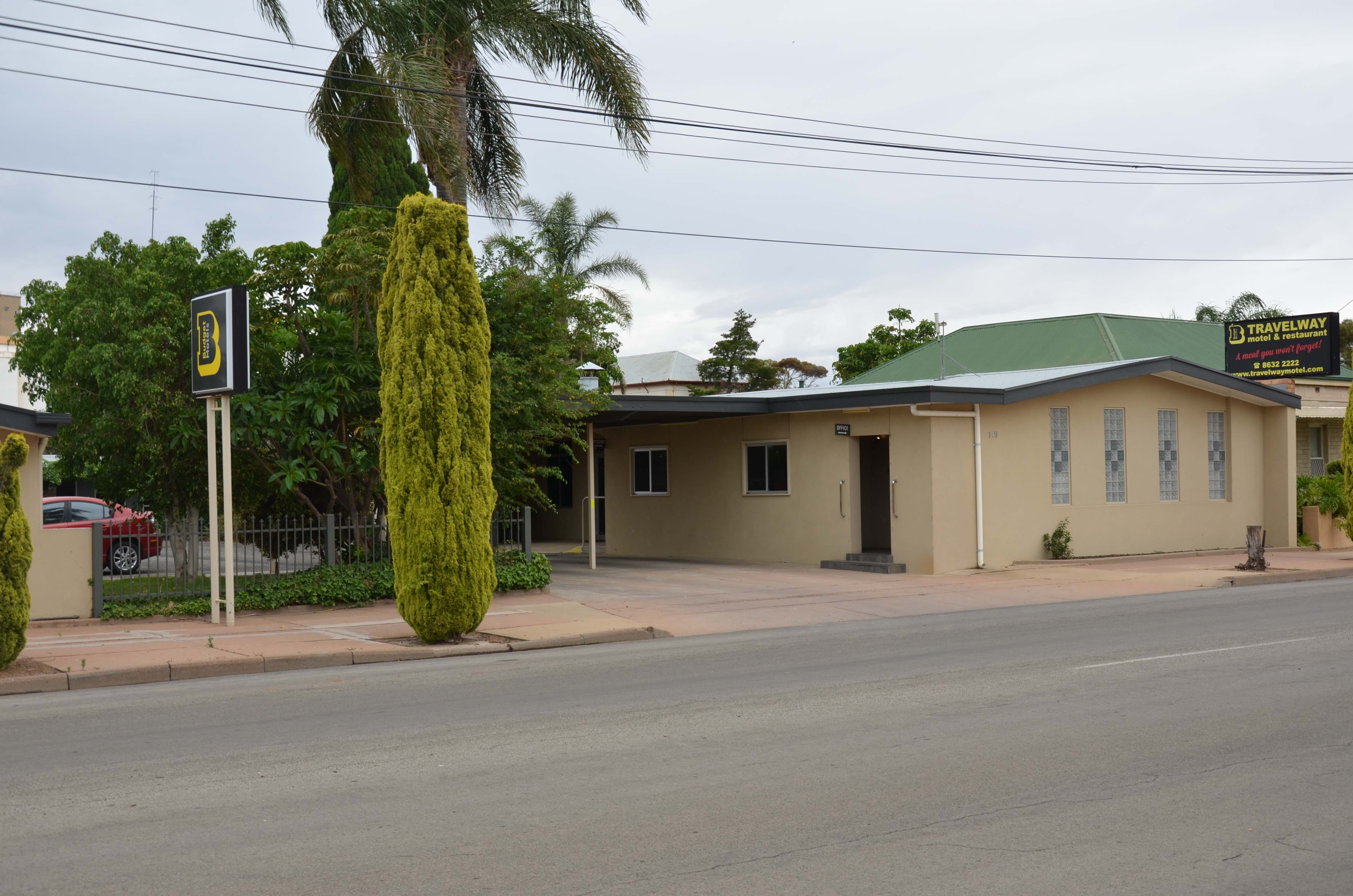Travelway Motel - Tourism Cairns