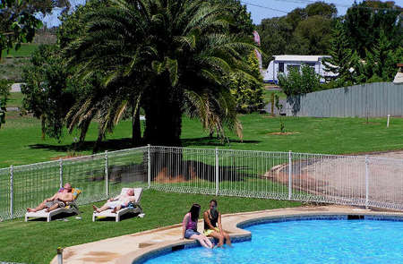 Swan Hill Holiday Park - Tourism Cairns