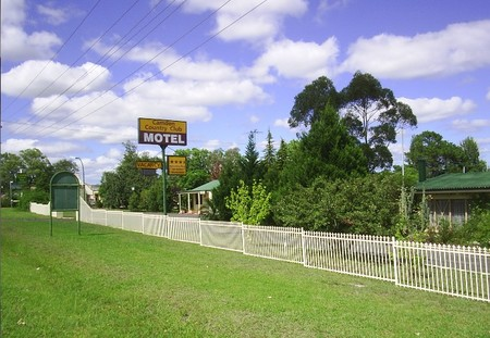 Camden Country Club Motel - Tourism Cairns