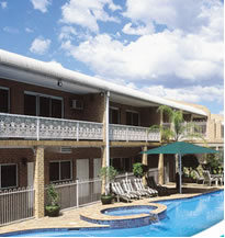 Macarthur Inn - Tourism Cairns