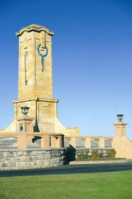 Fremantle War Memorial - Tourism Cairns