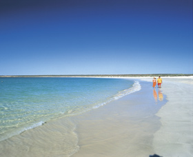 Gnaraloo - Tourism Cairns