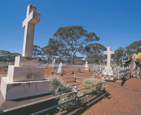 Coolgardie Cemetery - Tourism Cairns