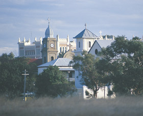New Norcia Heritage Trail - Tourism Cairns
