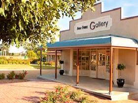 Peter Franz Fine Art Gallery - Tourism Cairns