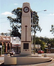 Goomeri War Memorial Clock - Tourism Cairns
