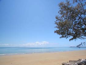 Blacks Beach - Tourism Cairns