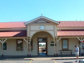 Maryborough Railway Station - Tourism Cairns