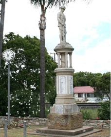 Forest Hill War Memorial - Tourism Cairns