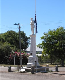 Aramac War Memorial - Tourism Cairns