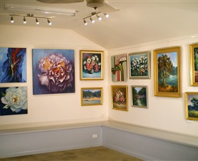 Ros McArthur Art Studio - Tourism Cairns