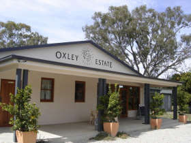 Ciavarella Oxley Estate Winery - Tourism Cairns