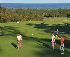 Tura Beach Country Club - Tourism Cairns