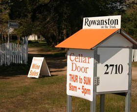 Rowanston on the Track Winery  Bed and Breakfast