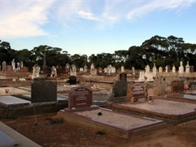 Langhorne Creek Cemetery - Tourism Cairns
