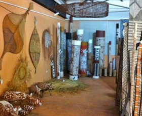 Maningrida Arts and Culture - Tourism Cairns