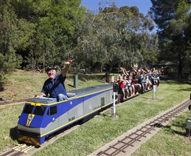 Willans Hill Miniature Railway - Tourism Cairns