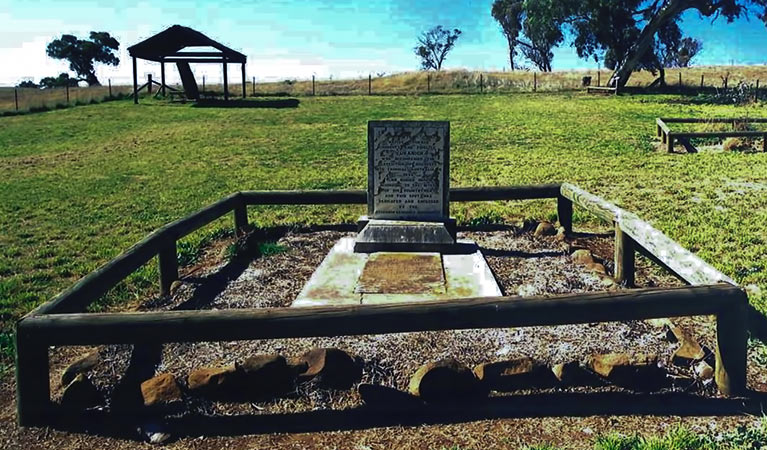 Yuranighs Aboriginal Grave Historic Site - Tourism Cairns