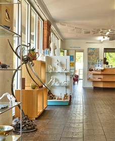 GIGS - Gateway Island Gallery and Studios - Tourism Cairns