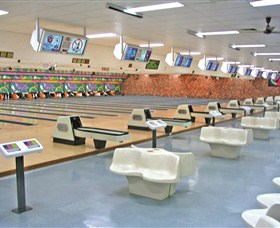 Bateau Bay Ten Pin Bowl - Tourism Cairns