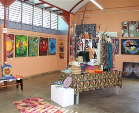 Dunghutti Ngaku Aboriginal Art Gallery - Tourism Cairns