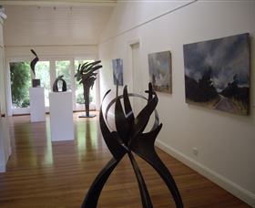 Ivy Hill Gallery - Tourism Cairns
