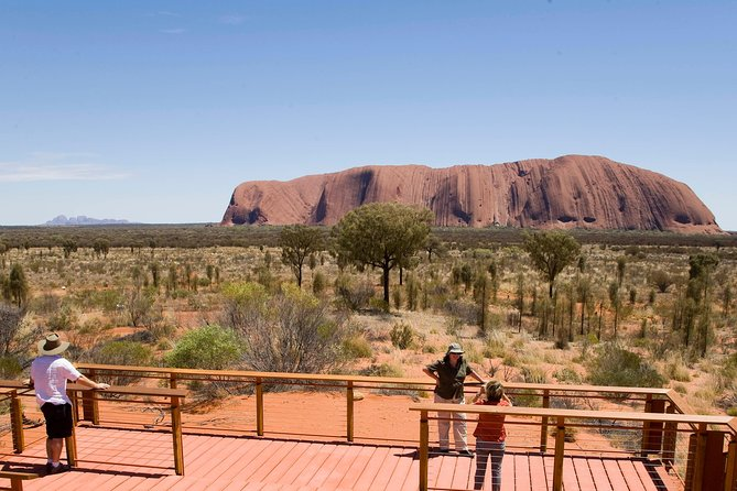 Uluru Small Group Tour including Sunset - Tourism Cairns