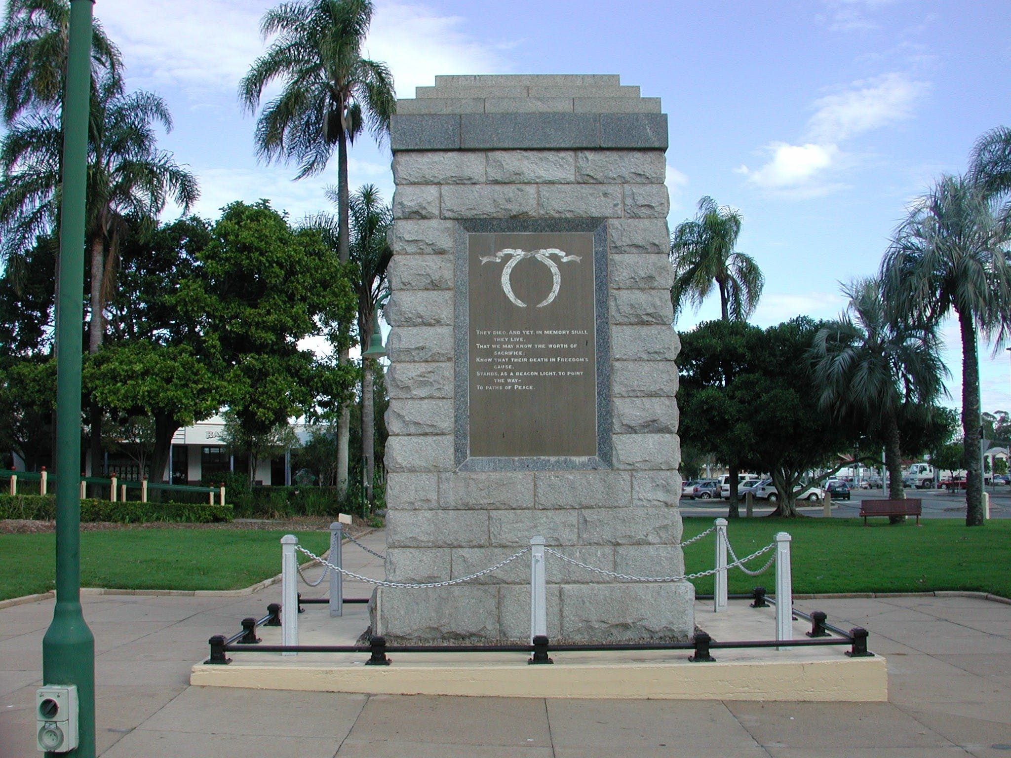 Sandgate War Memorial Park - Tourism Cairns