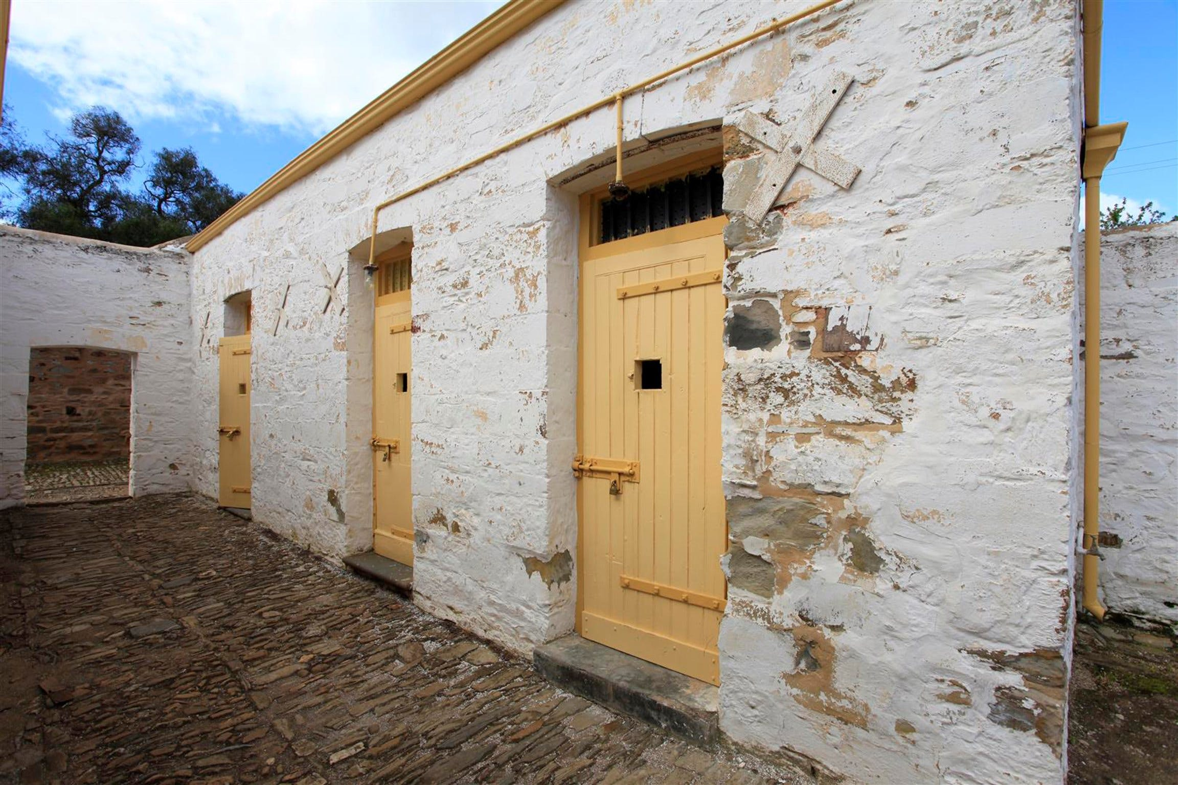 Police Lockup And Stables - Tourism Cairns