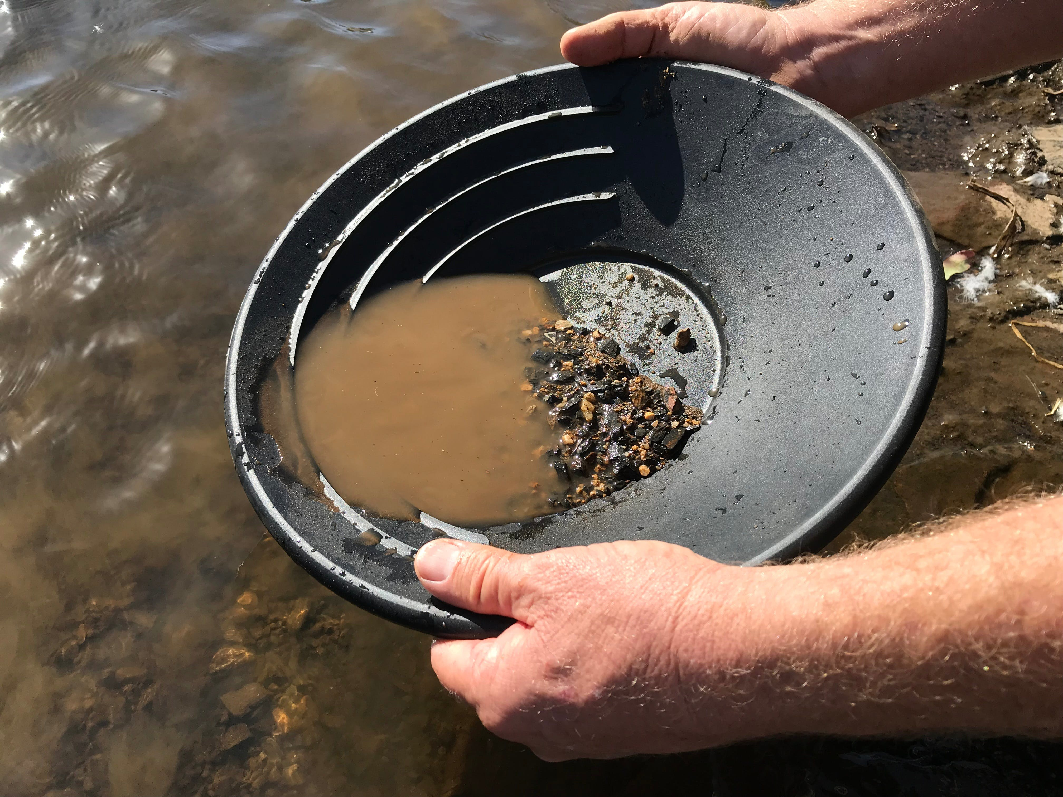 Tuena Panning for Gold - Tourism Cairns