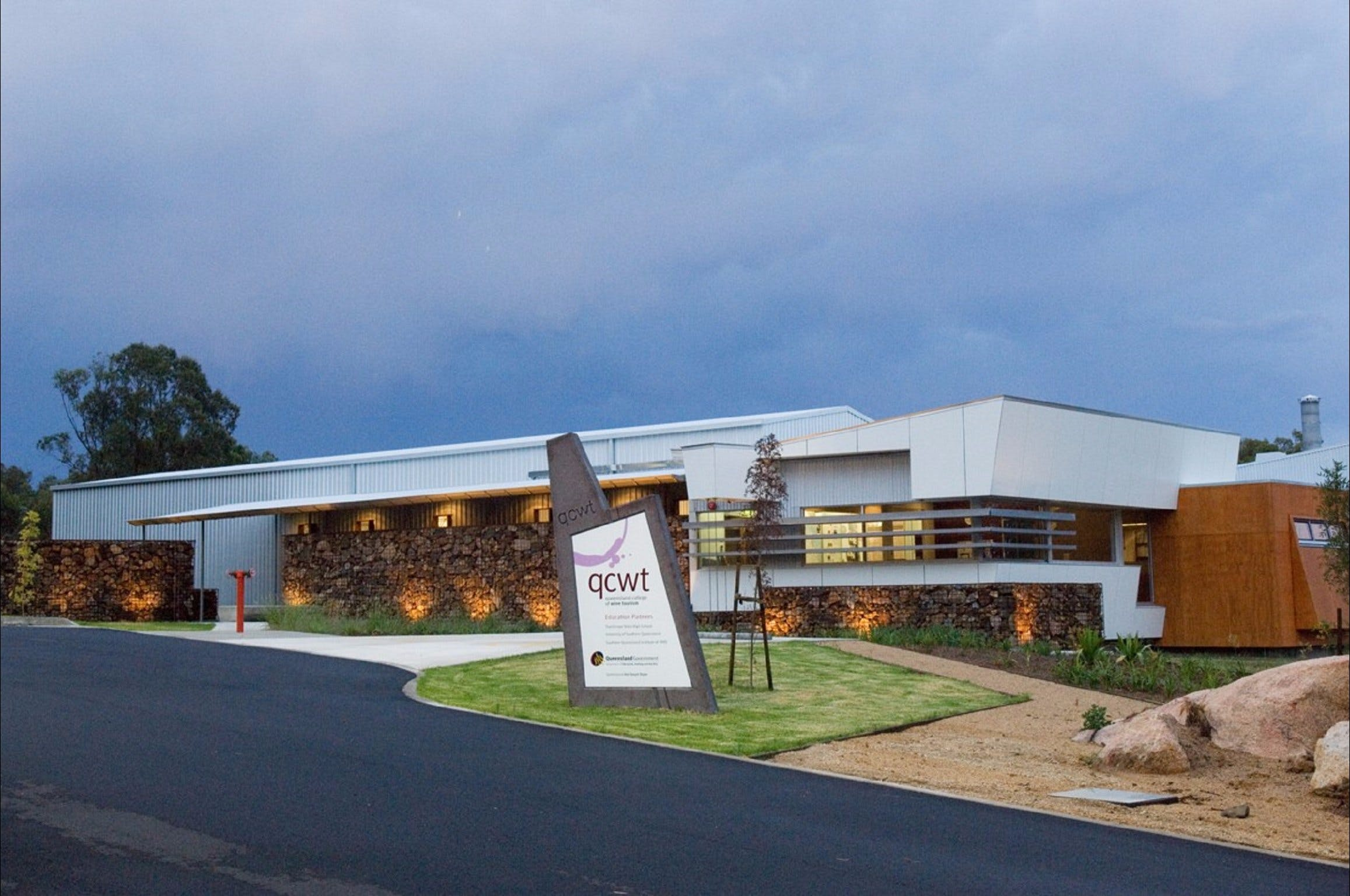 Varias Restaurant and Function Centre at the Queensland College of Wine Tourism - Tourism Cairns