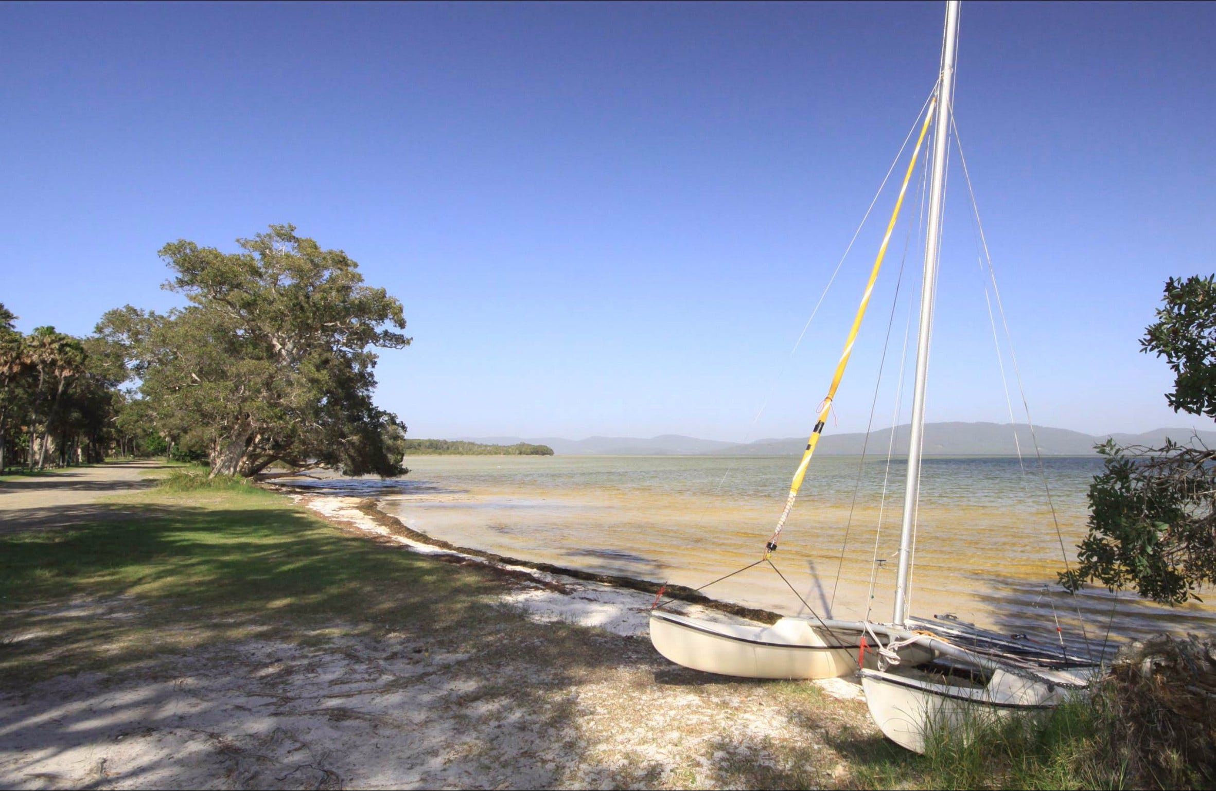 Sailing Club picnic area - Tourism Cairns