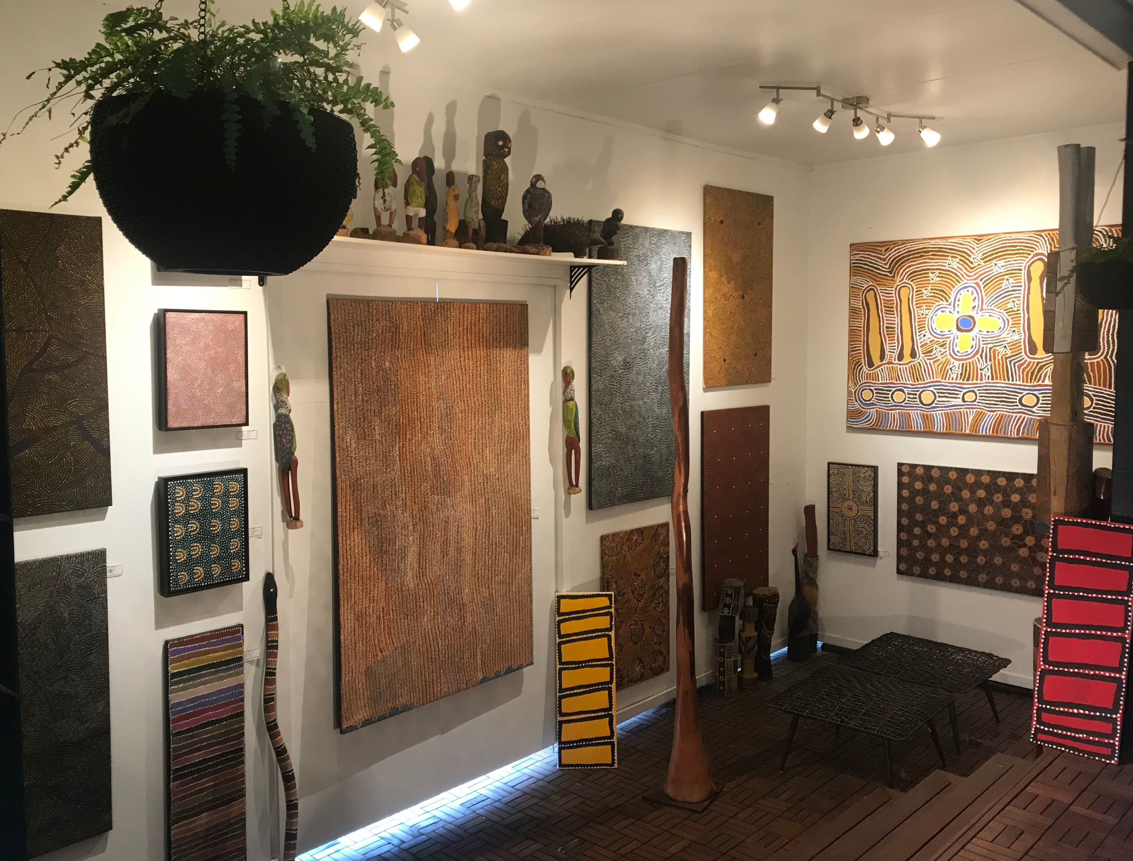 Red Sand Aboriginal Art Gallery - Tourism Cairns