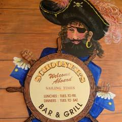 Schooners Bar  Grill - Tourism Cairns