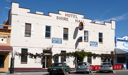 Shire Hall Hotel - Tourism Cairns