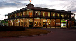 The Grand Terminus Hotel - Tourism Cairns