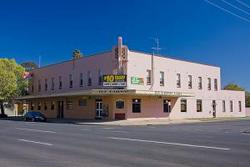 Railway Hotel - Tourism Cairns