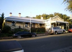 Earl of Spencer Historic Inn - Tourism Cairns