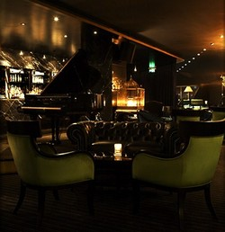 Trademark Hotel Lounge Bar and Piano Room - Tourism Cairns