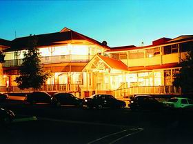 Loxton Community Hotel Motel - Tourism Cairns