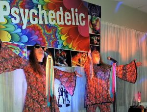 Psychedelic 70s Show The Retro Girls - Tourism Cairns