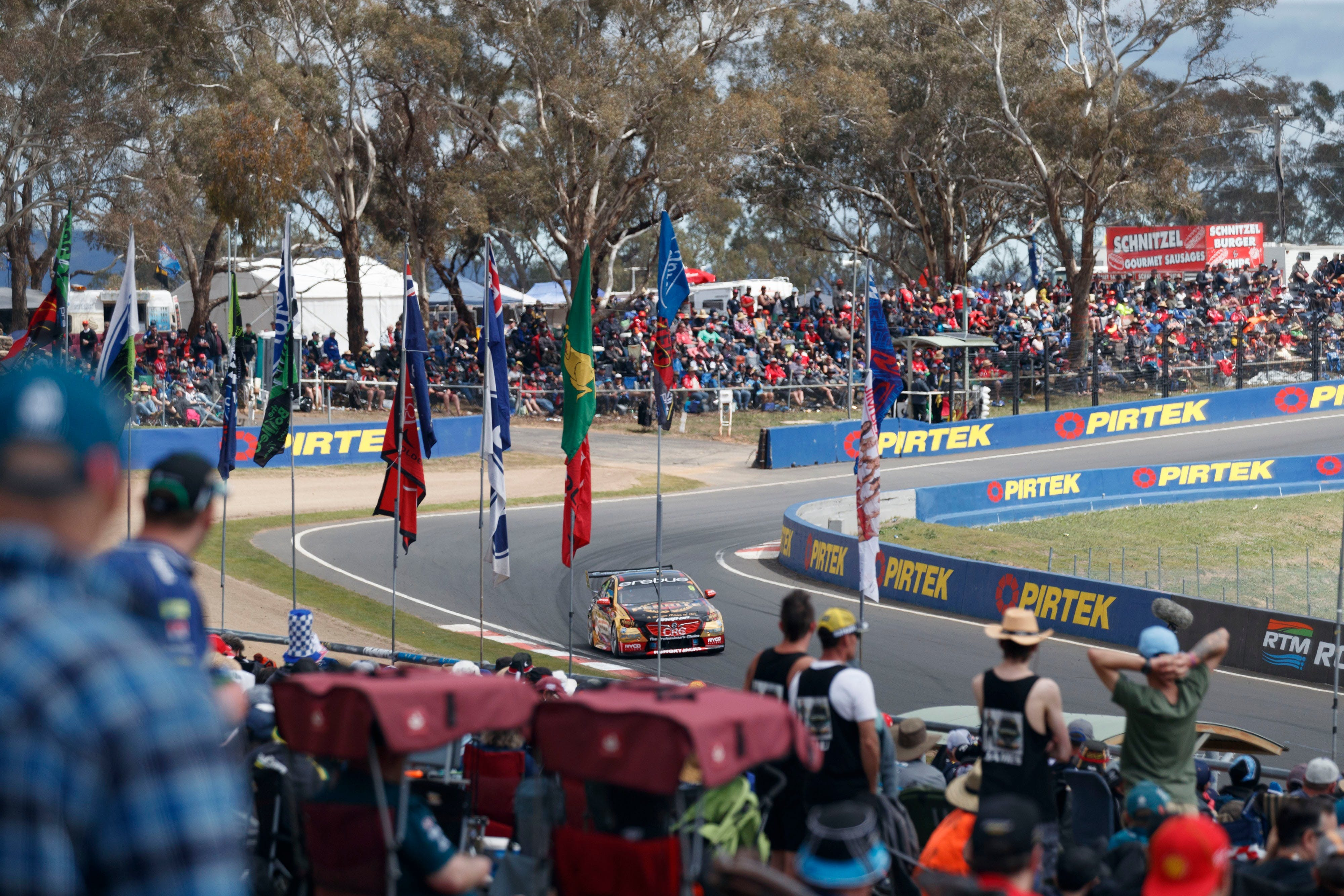 Supercars Supercheap Auto Bathurst 1000 - Tourism Cairns