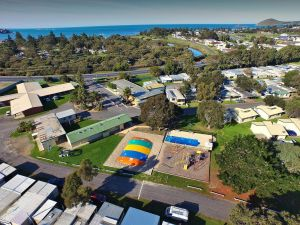 Victor Harbor Holiday  Cabin Park - Tourism Cairns
