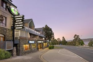 Banjo Paterson Inn - Tourism Cairns