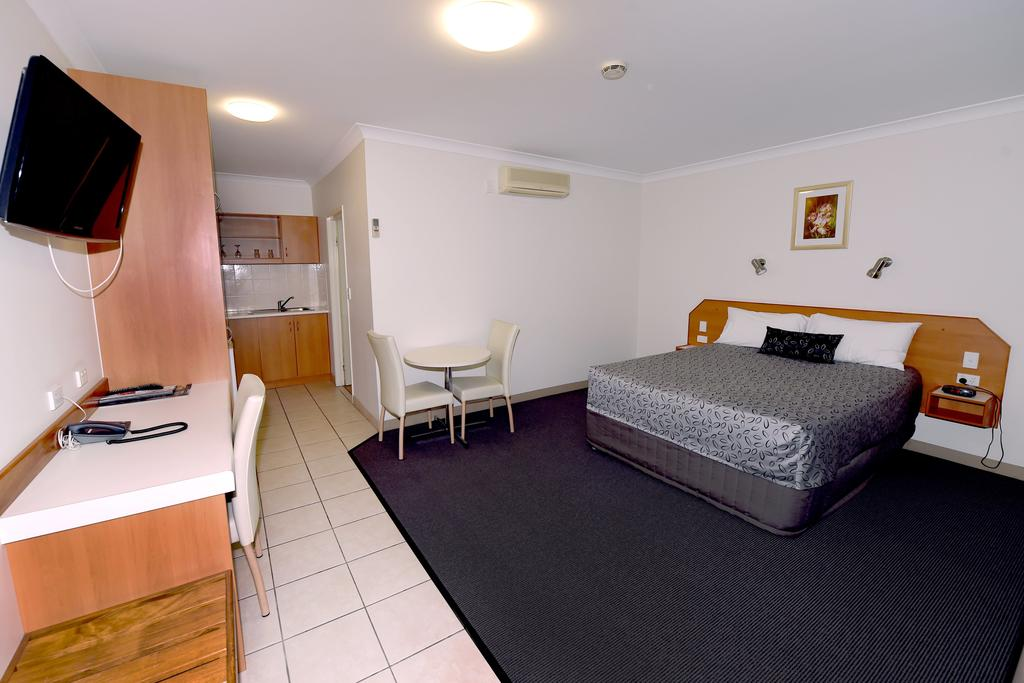 Carriers Arms Hotel Motel - Tourism Cairns