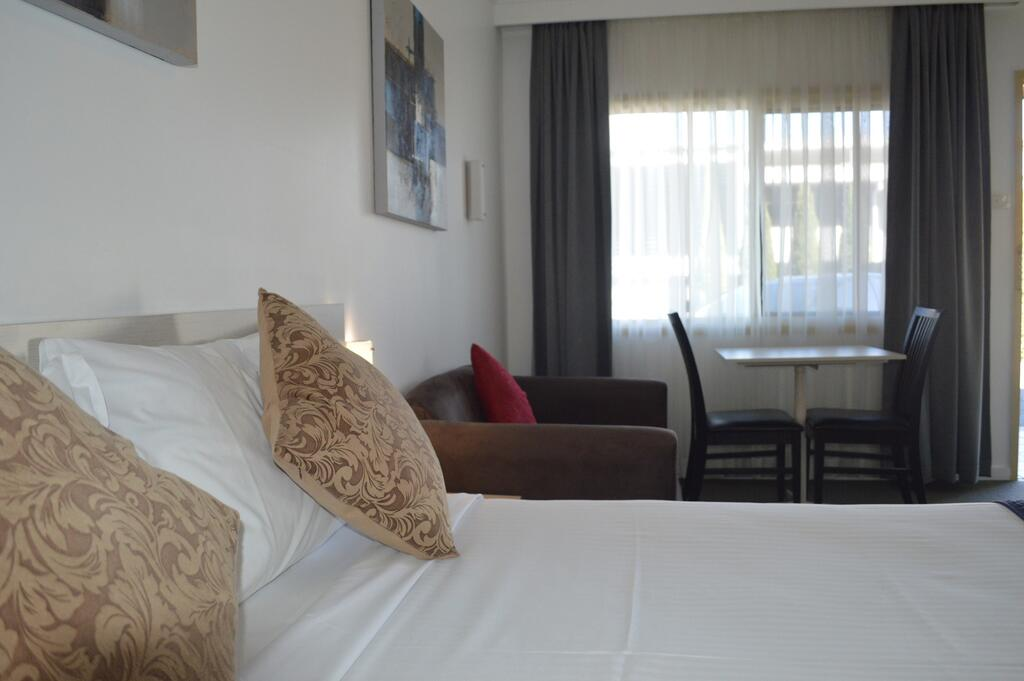 Karinga Motel SureStay Hotel by Best Western - Tourism Cairns
