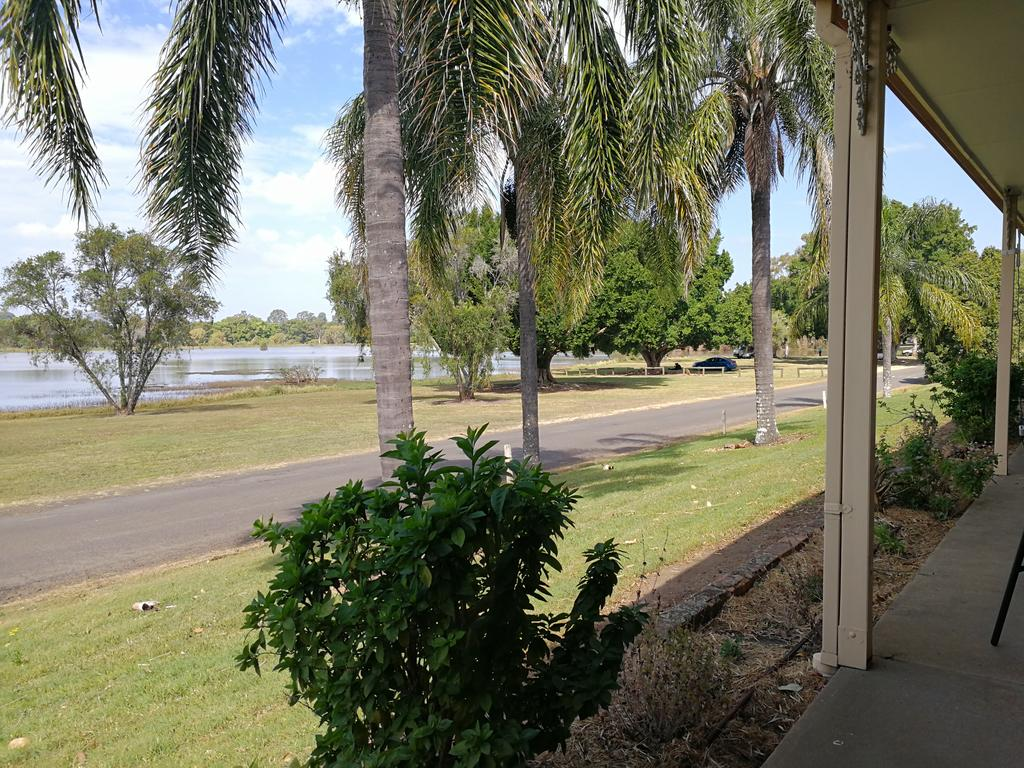 Lakeside Lodge Motel - Tourism Cairns