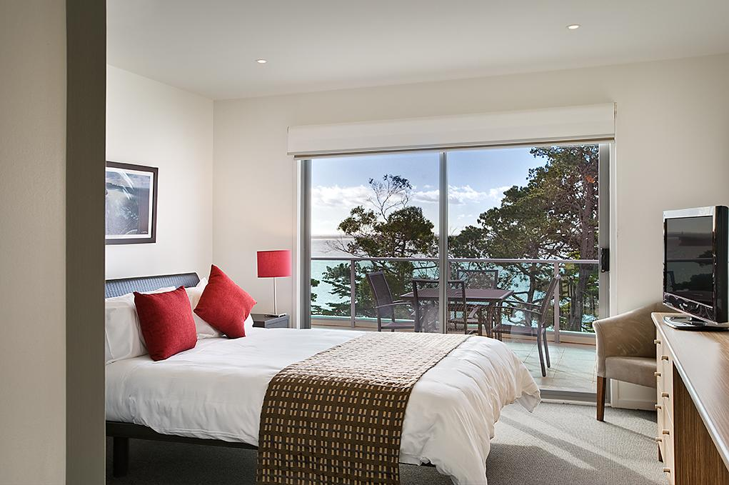 Waves Apartments - Tourism Cairns
