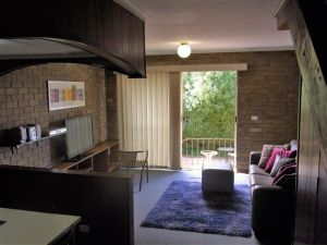 A Furnished Townhouse in Goulburn - Tourism Cairns